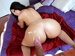 Lustful hot chick is fondling and deepthroating fucker's cock